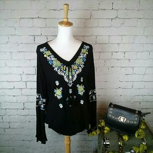 NWT Chelsea & Theodore boho embroidered top sz M